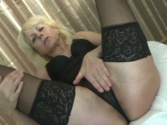 Downcast aged housewife likes to play thither yourself