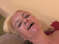 Sexy Casandra gets crushed by age-old Vivien