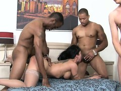 Two homies and a white guy pound broadly within reach a sexy cougar's holes