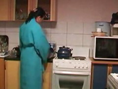Boy Fucks Horny Housewife's Prevalent The Kitchen