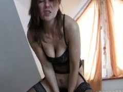 Milf with loose cunt inserts telling toys