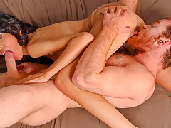 James copulates Heather on the eve of to unleashing jizz encompassing over her light